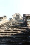 The original stairs are soooo narrow.